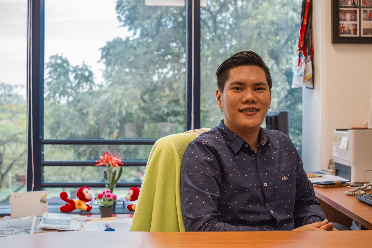 Tandoc, an assistant professor in WKWSCI, is in charge of The Nanyang Chronicle. After years of experience as a journalist, Tandoc discovered a new passion in journalism research. PHOTO: JERLIN HUANG