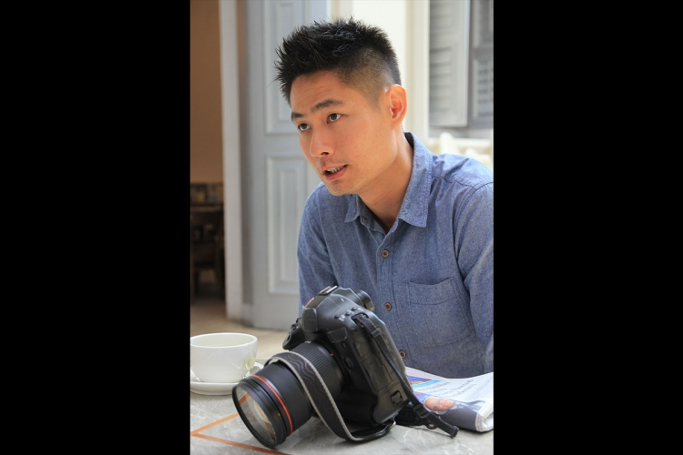 Despite a late start in photography, ST photographer Lim eventually knew that it was something he wanted to pursue in his career. PHOTO: LU YAWEN